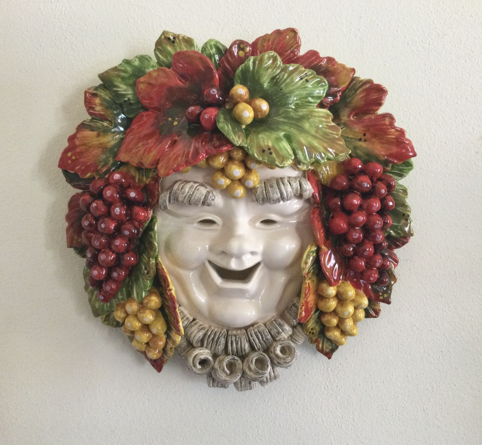 Mask bacchus with grapes 35x35