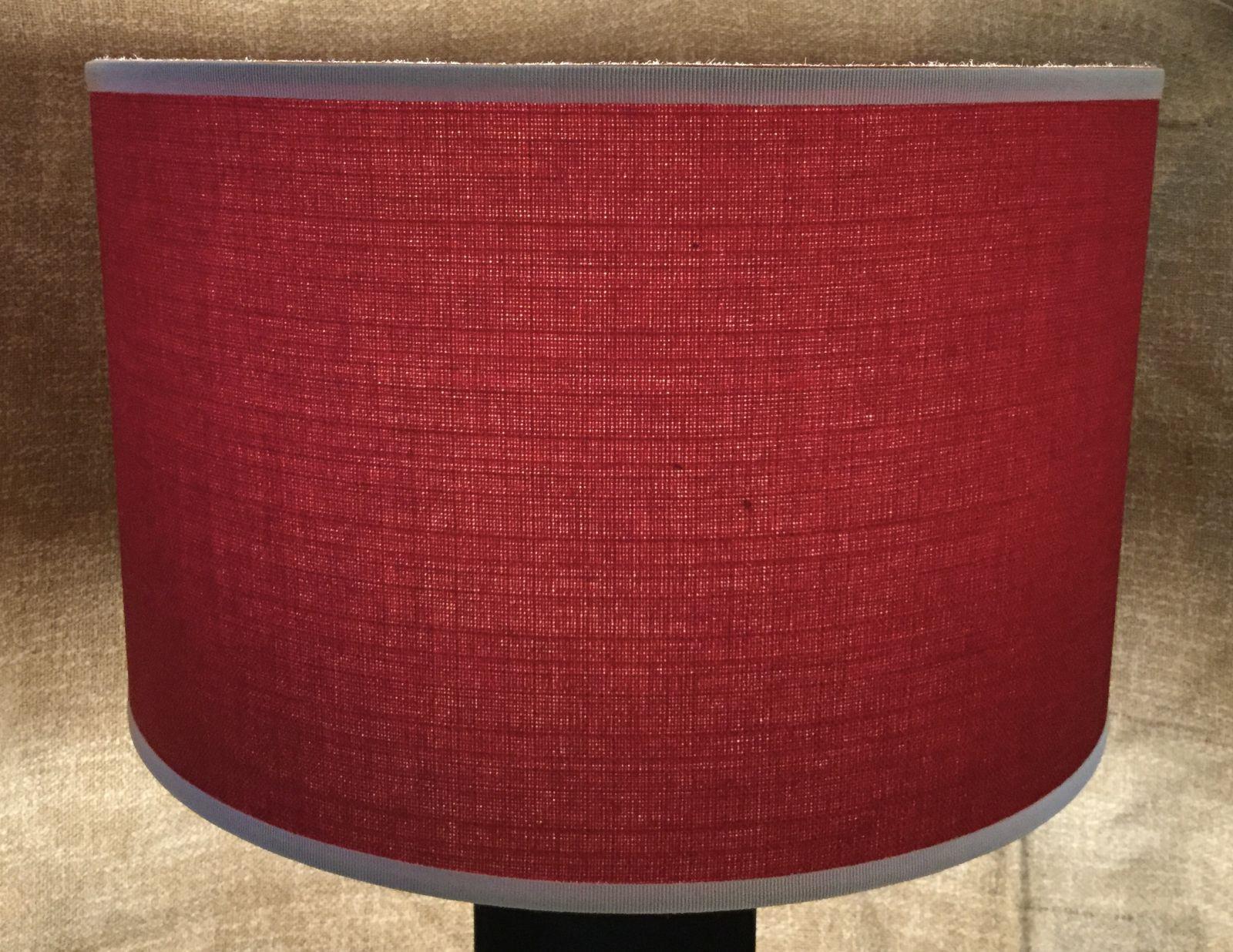 Paralume cilindrico colore rosso con rifiniture bianche D40 h25